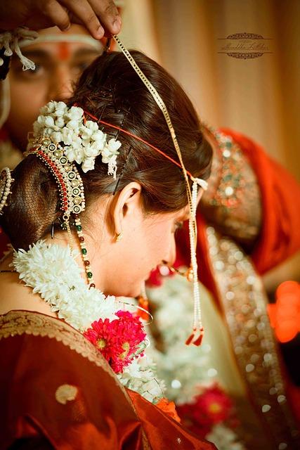 bride-323330_640