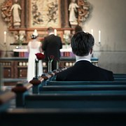 kis esküvő